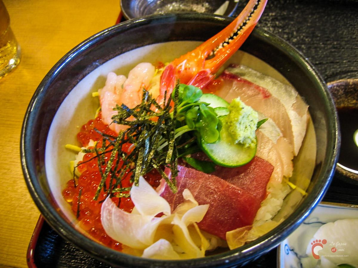 Déjeuner au marché aux poissons de Omicho à Kanazawa