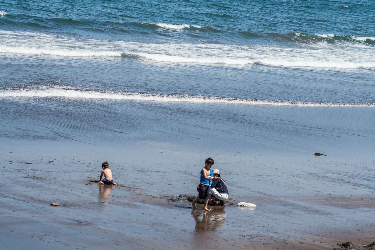 Sur la plage d'Usami