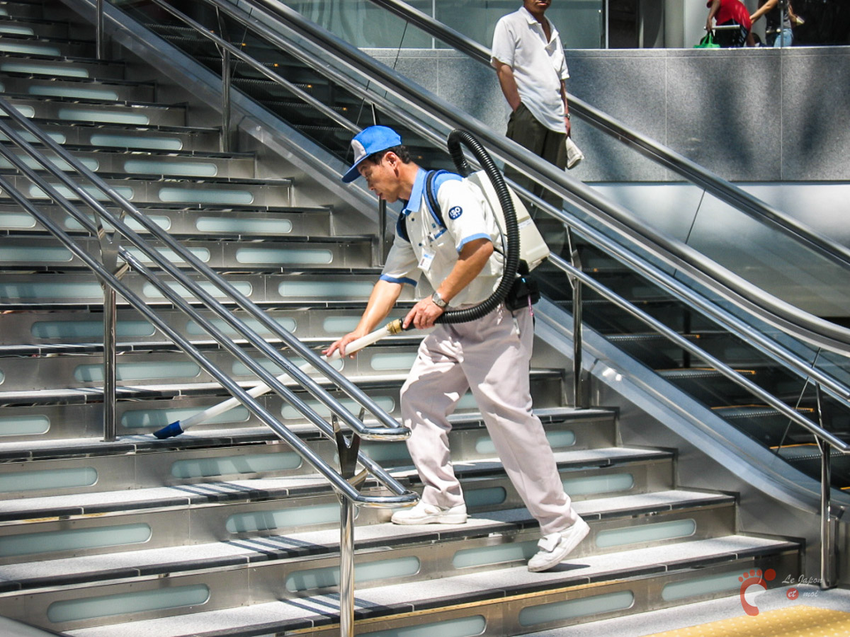 Gare de Kanazawa - On ne plaisante pas avec la propreté