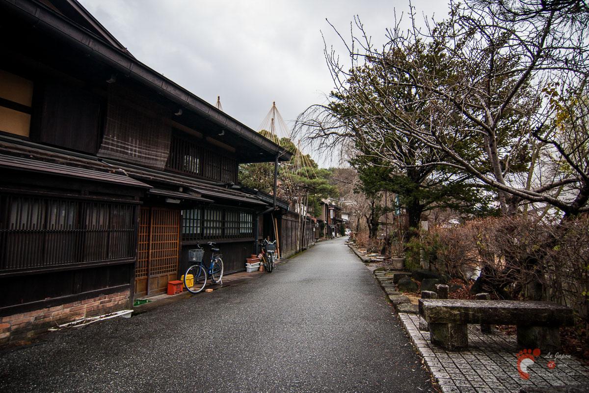 Ville de Takayama - Sur les rives de Miya-gawa 宮川