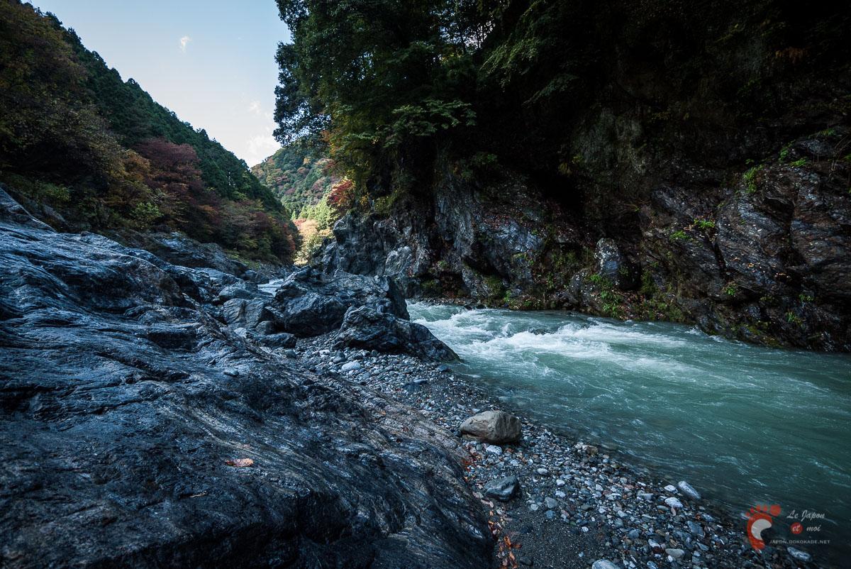 Vallée de Hato-no-Su et la rivière Tama