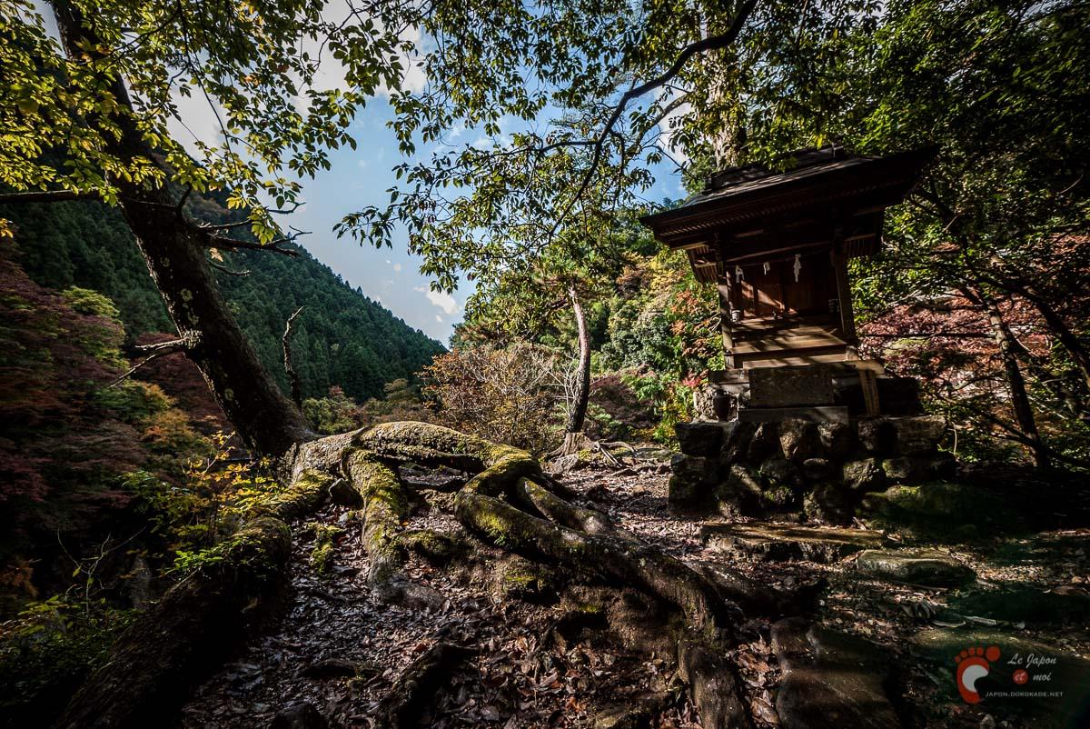 Le sanctuaire Sui-jinja - Vallée de Hato-no-Su