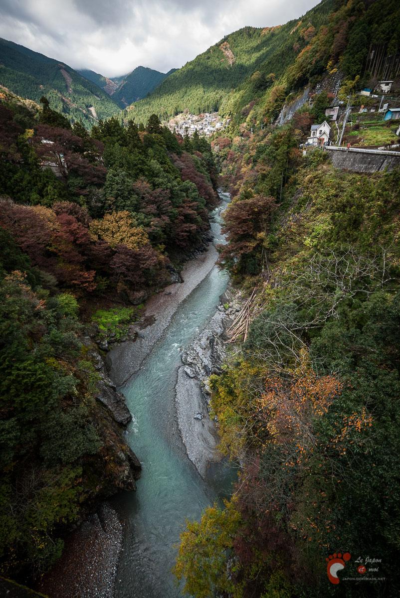 Vue depuis le pont Ôbashi de Hato-no-Su
