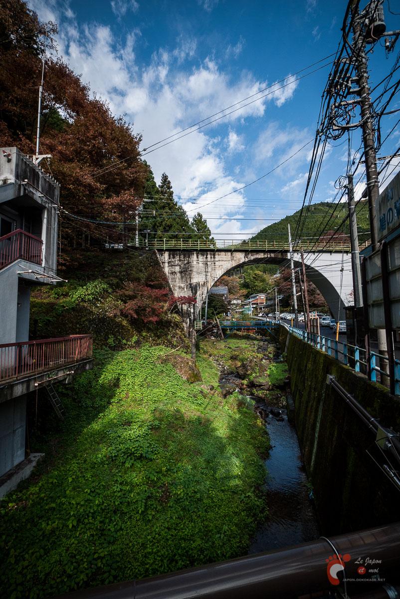 Dans les rues de Hato-no-Su - Rivière de Nishi